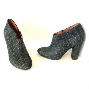 Sigerson Morrison   gray leather heeled booties